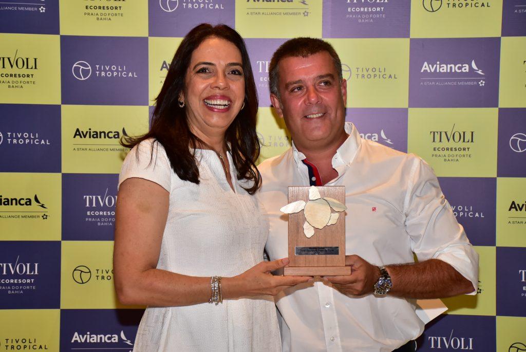 Miguel Ferreira, da Exotico On Line; e Maria Helena Santana