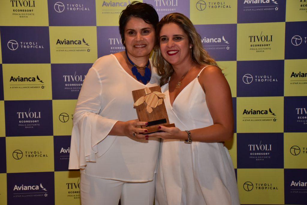 Andrea Trindade, da Latam, com Tuca Morais, gerente regional de vendas