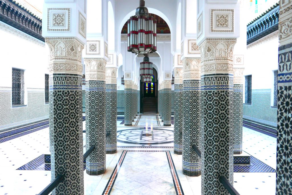 Mármore, estuque e peças feitas pelos melhores artesão marroquinos