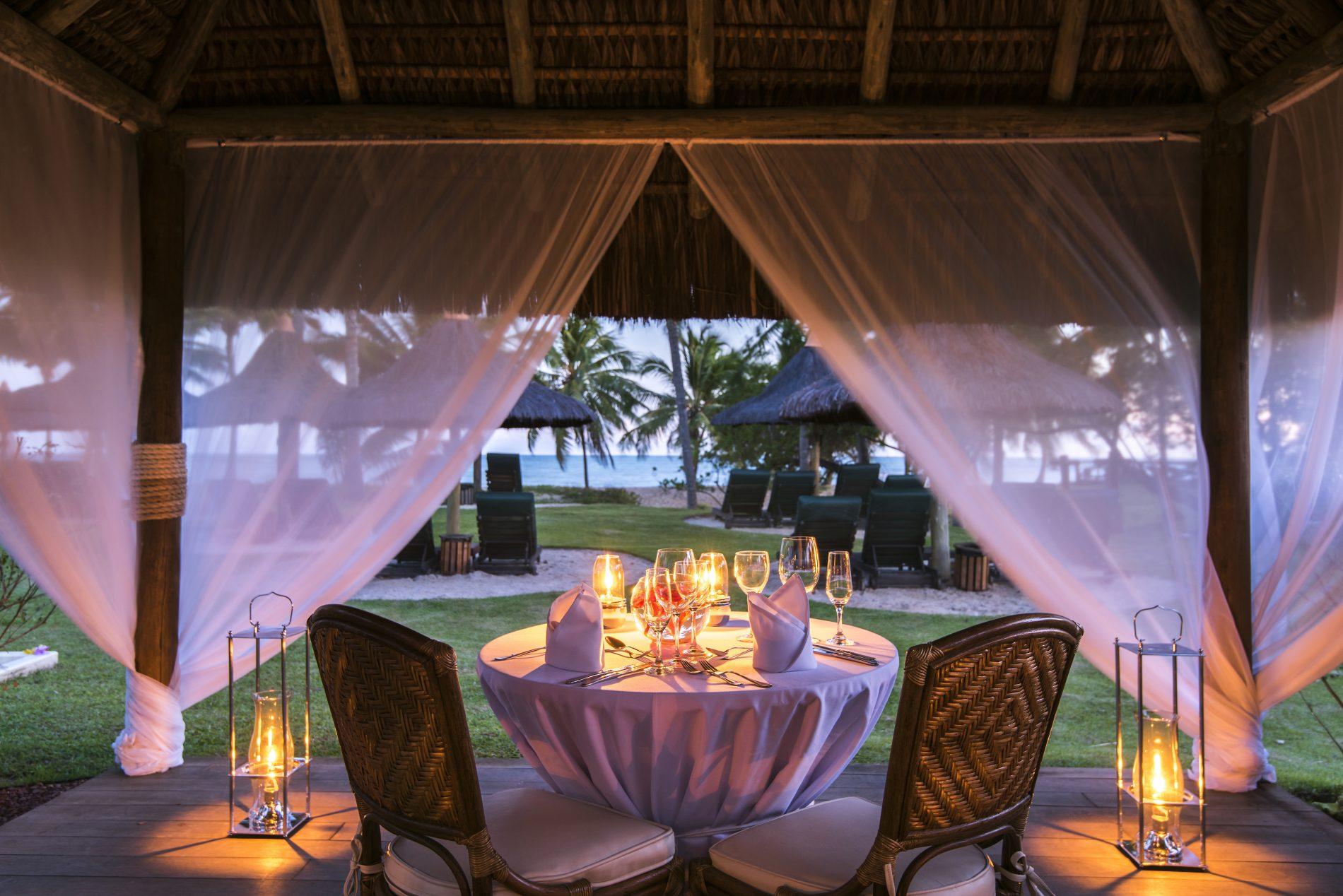 Ambiente sofisticado na hora do jantar, no Tivoli Ecoresort Praia do Forte