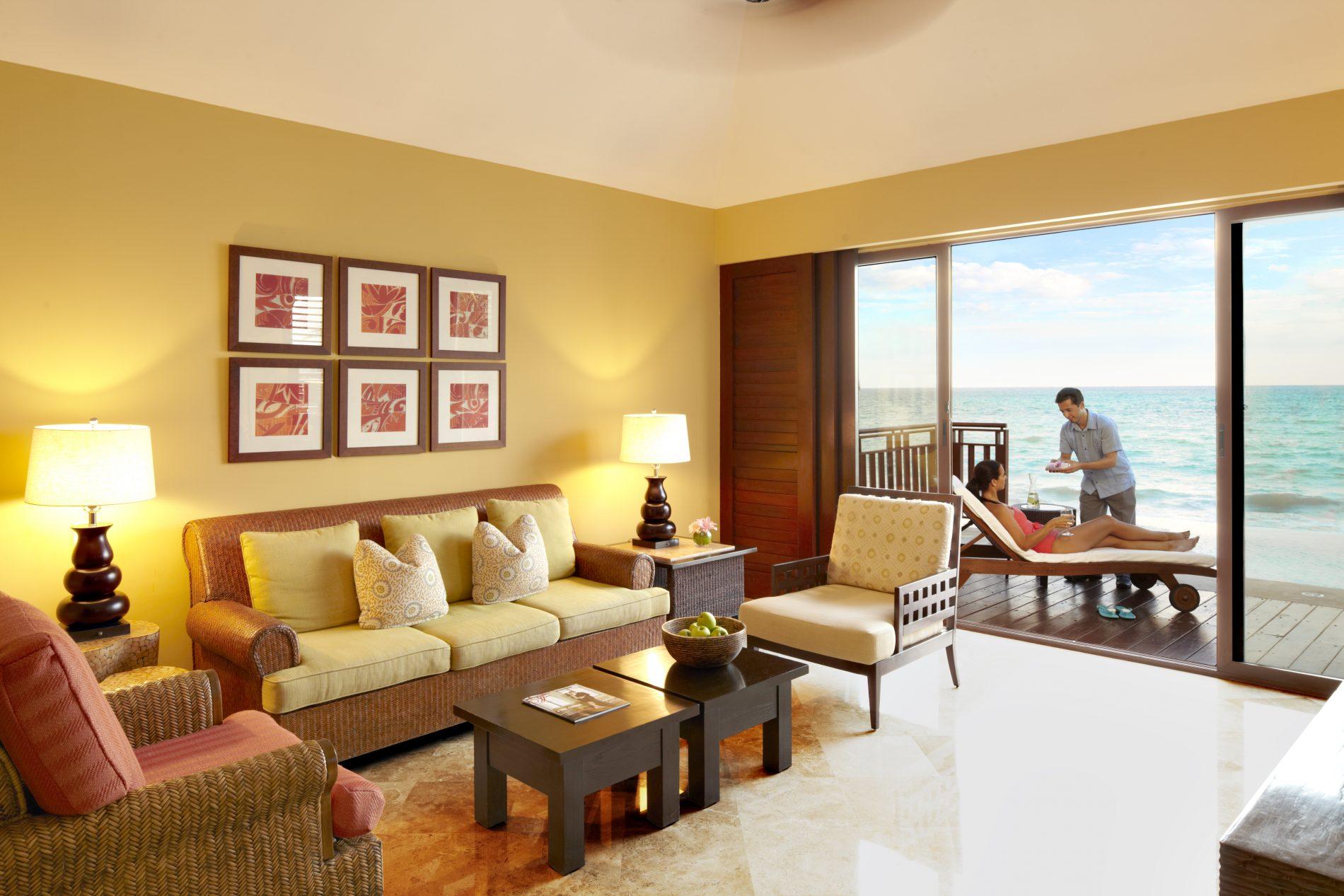 Uma das luxuosas habitações do Fairmont Mayakoba, pé na areia (Fairmont Hotels/Divulgação)