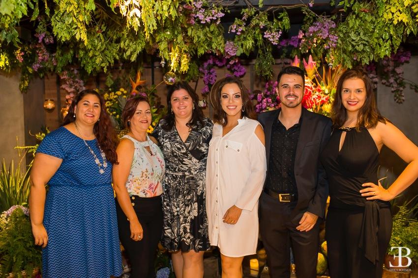 Tatiane, da Copa Airlines; Adriana, da Kemp Viagens; Marisa Zamboni, da Palace Resorts; Ana Barra, da Cerimonial; Thiago, da Kemp Viagens, e Diana Gomes, da Cerimonial