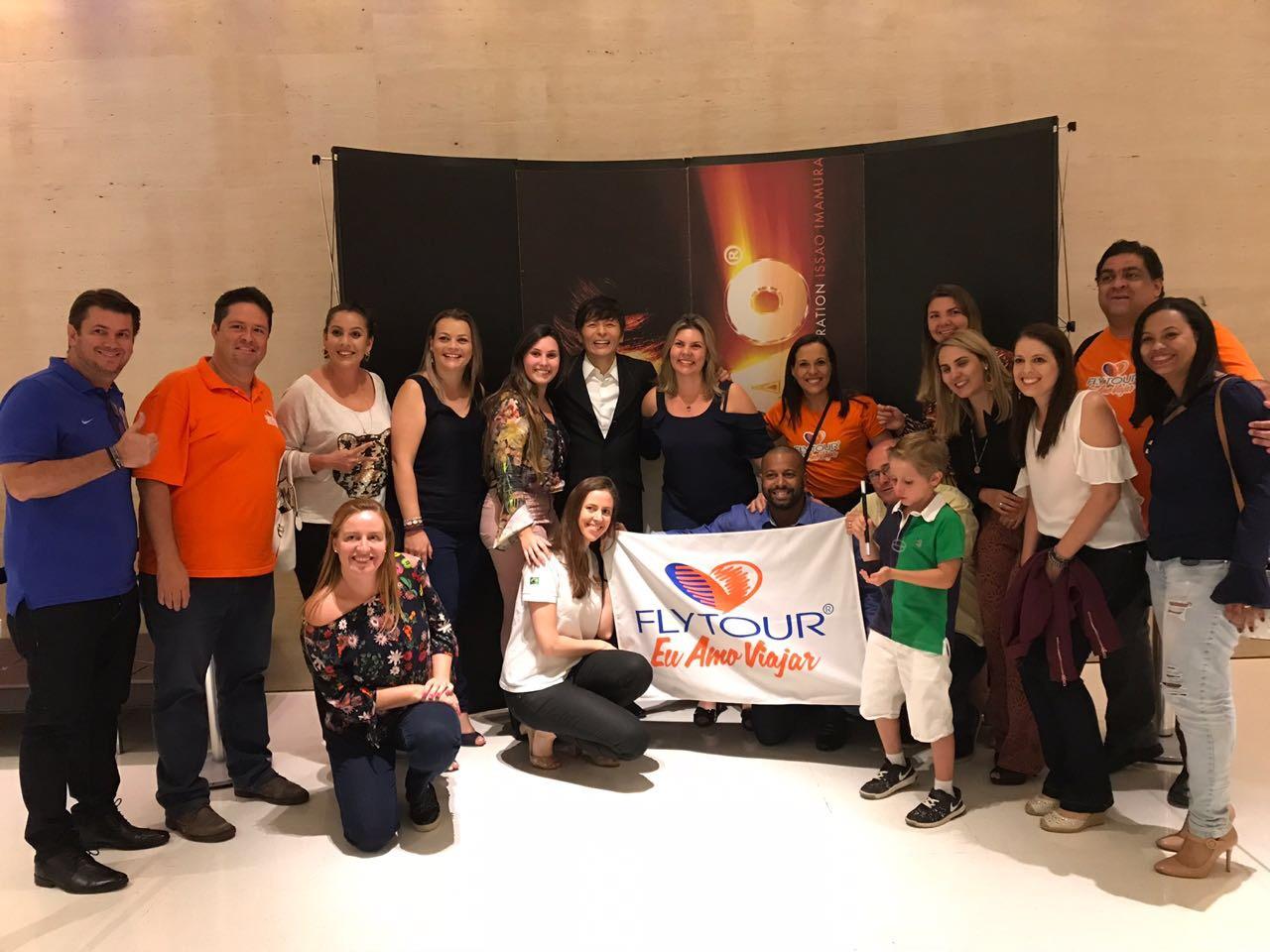 A equipe da Flytour Viagens e alguns agentes de viagem convidados para uma noite mágica em Campinas