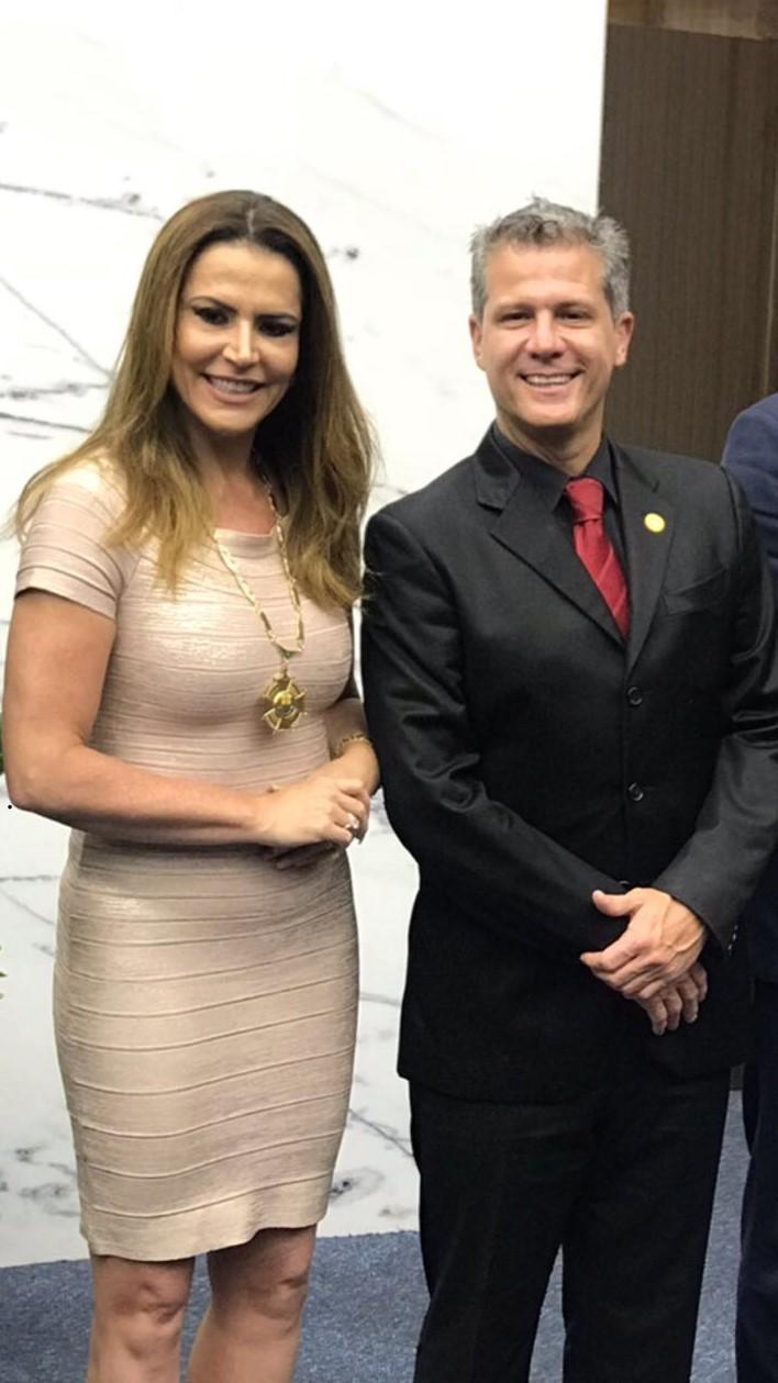 Érica Drumond e o vereador Léo Burguês (Fotos: Alcance Comunicação/Divulgação)