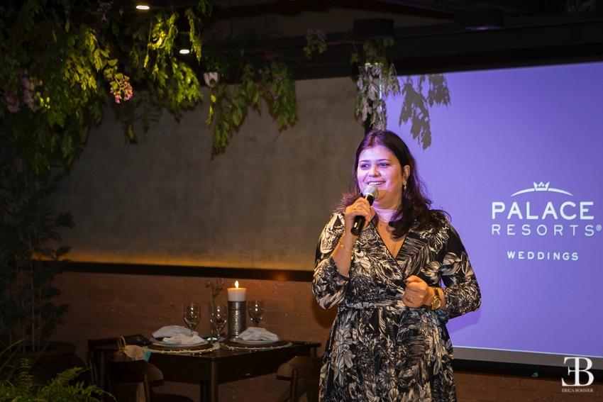 Marisa Zamboni, Diretora Brasil da Palace Resorts apresenta as novidades e os diferenciais da rede aos casais presentes