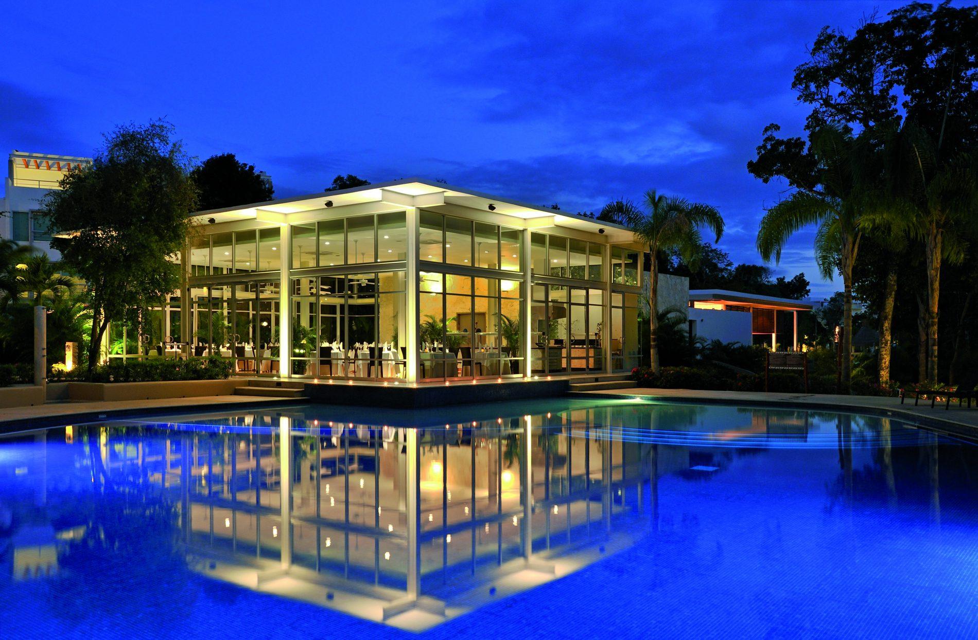 Vista noturna do Sian Ka'an, resort Bahia Principe na Riviera Maya (Bahia Principe/Divulgação)