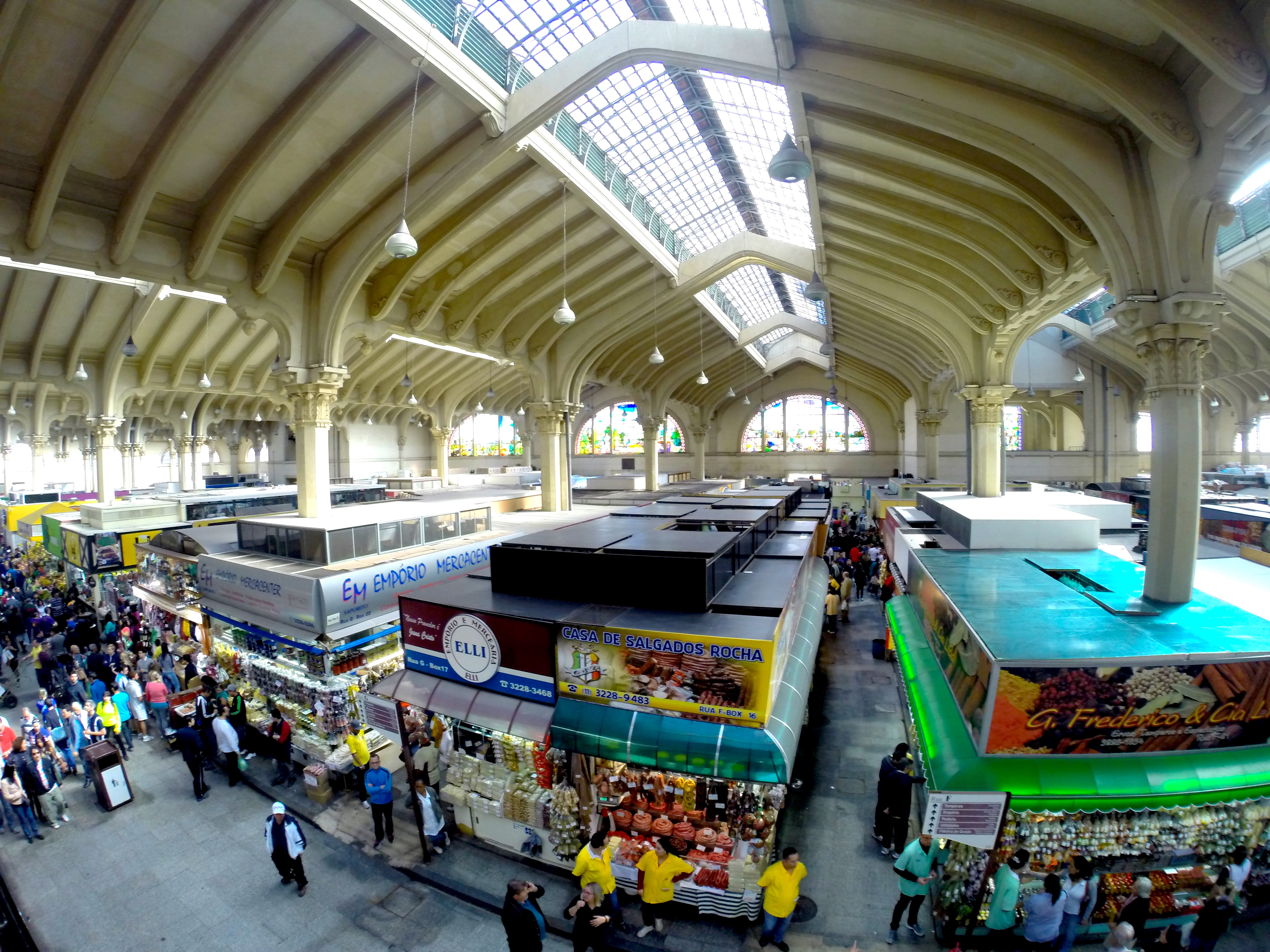 A bela arquitetura do Mercado Municipal é uma atração, além das tantas gastronômicas