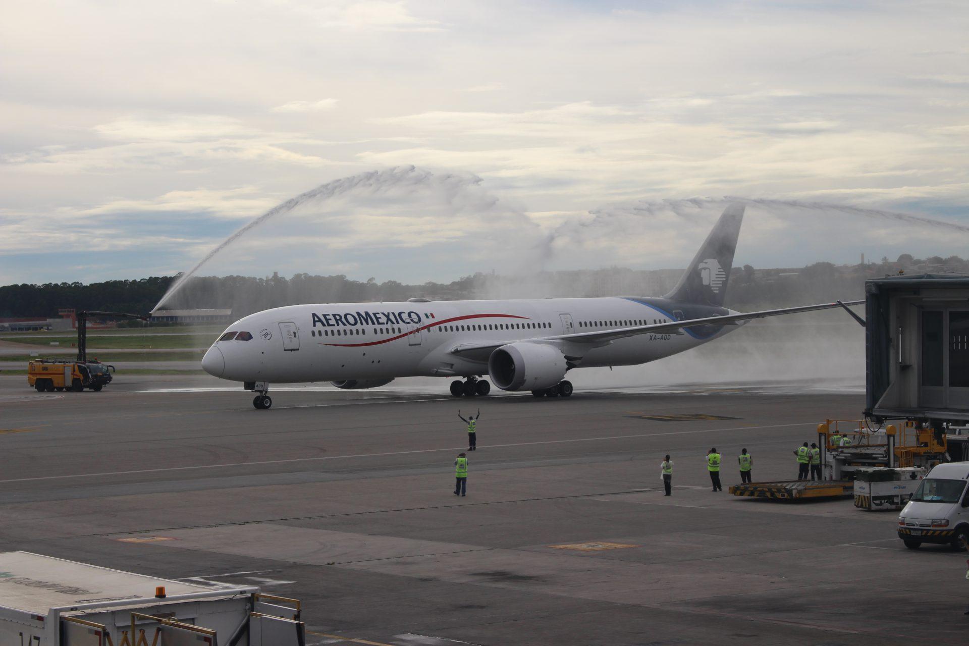 Batismo do Boeing 787-9 Dreamliner da Aeromexico, durante sua primeira aterrissagem em São Paulo (Foto: Divulgação)