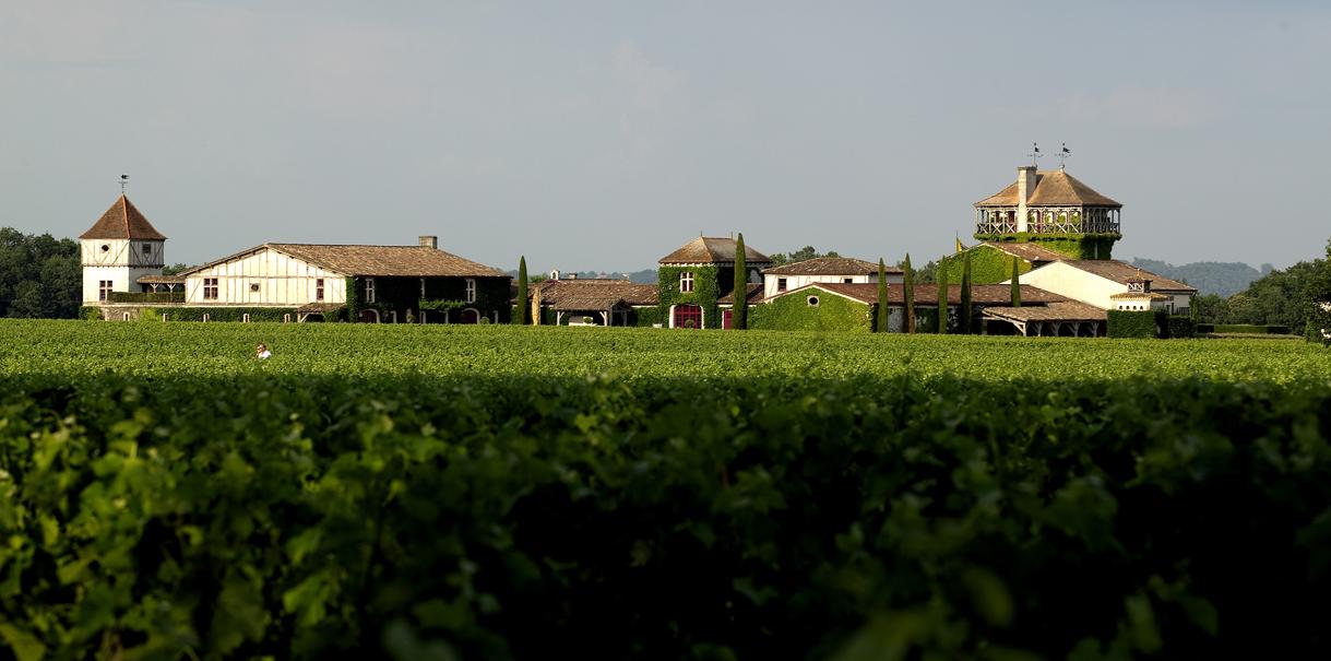 Vista do Les Sources de Caudalie, hotel 5 estrelas na região de Bordeaux, e os vinhedos que o cercam