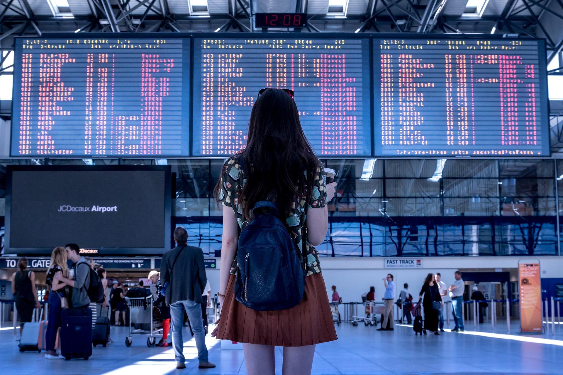 mulher Viagem solo sozinha