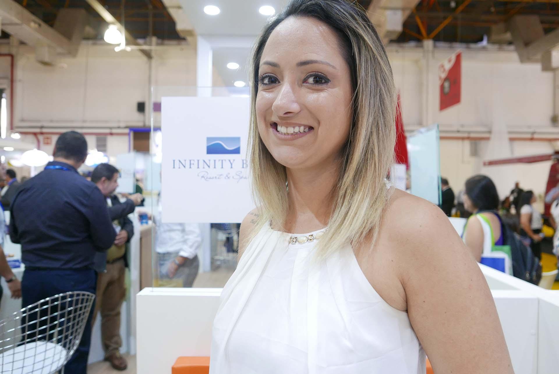 Juliana Campeoto, gerente de vendas e marketing do Infinity Blue Resort