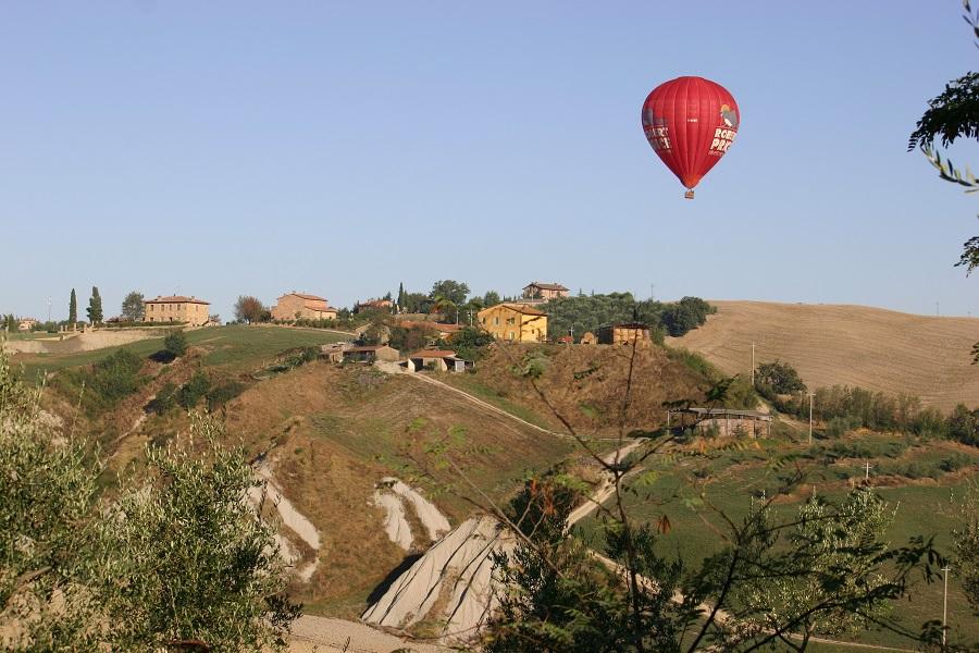 A fantástica paisagem da Toscana é pano de fundo para quem se hospeda no Laticastelli