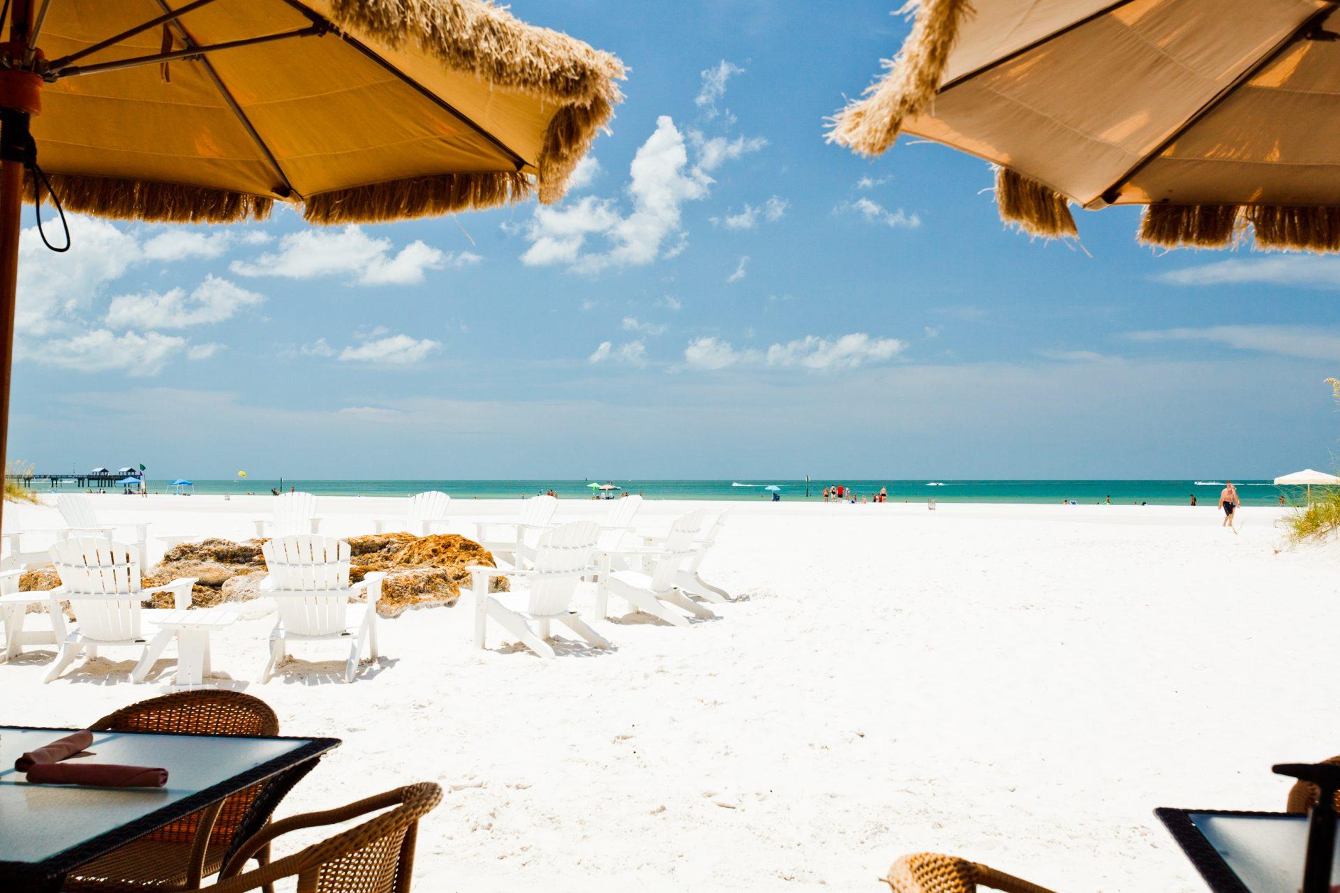 Praias tipicamente caribenhas, de areia branca e mar azul turquesa, na região do Golfo do México EUA
