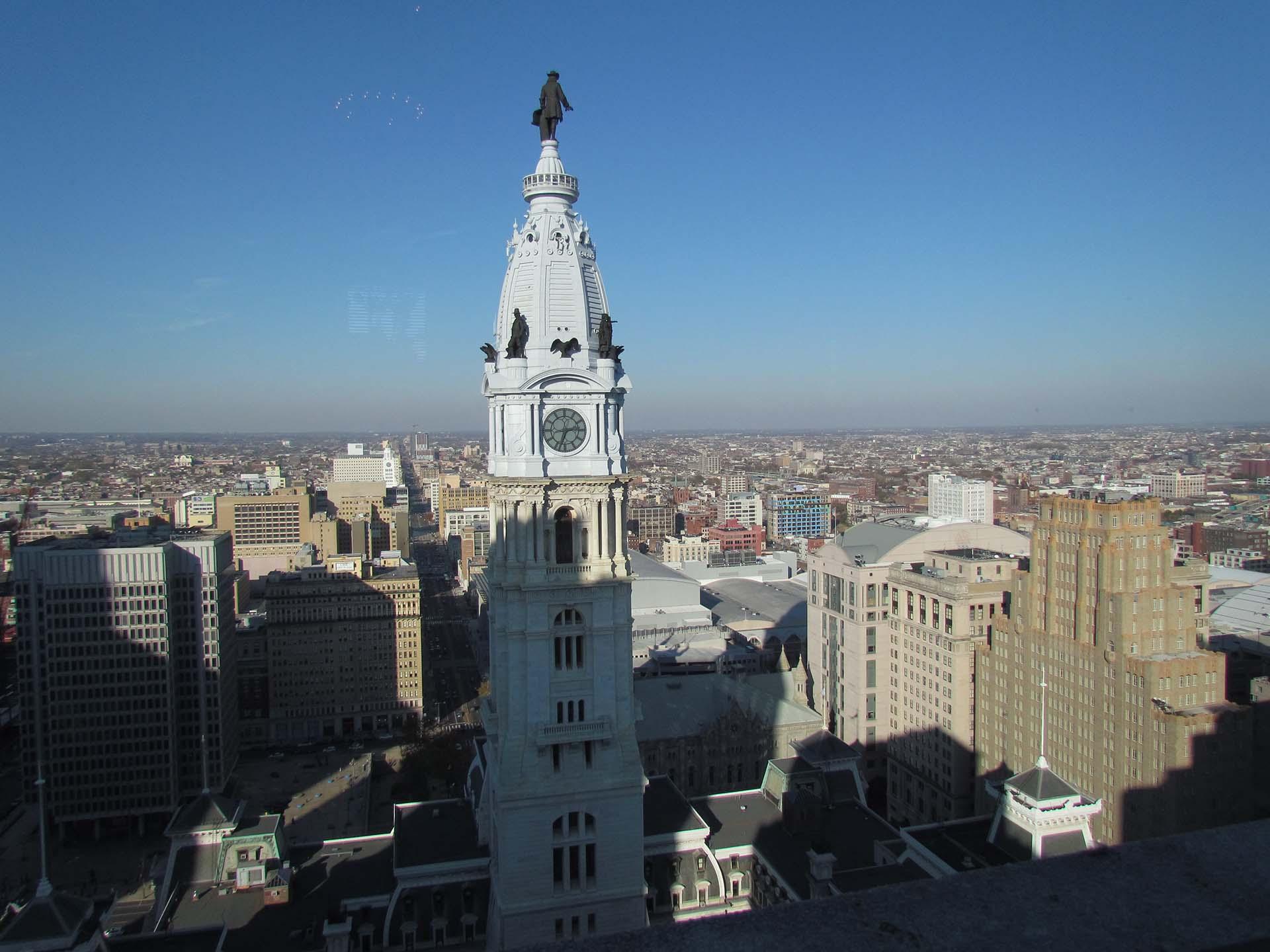 Do hotel, a vista privilegiada para a prefeitura