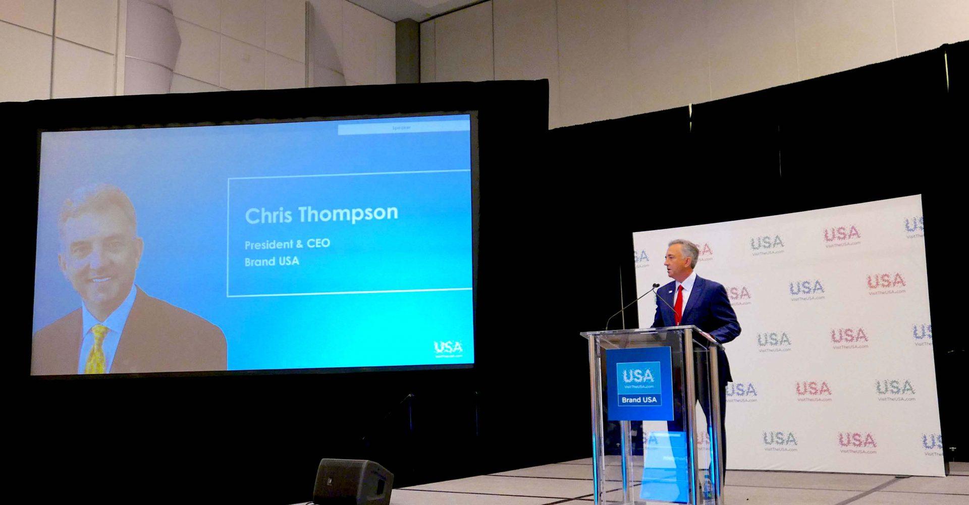 Chris Thompson, presidente e CEO da Brand USA inicia sua apresentação, durante coletiva de impressa no IPW 2018