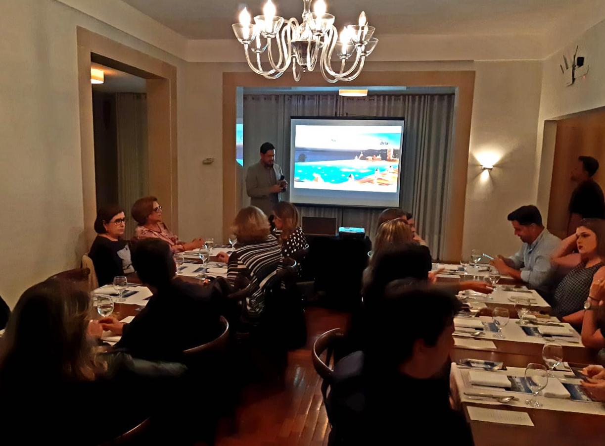 Neto Buteri se prepara para apresentar detalhes da parceria entre a Ylha Bela Operadora e os resorts Beachcomber