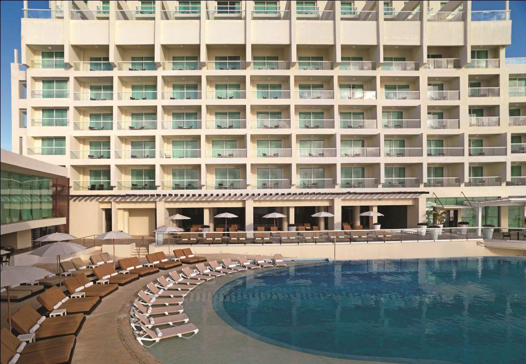 Fachada do Sun Palace, em Cancun