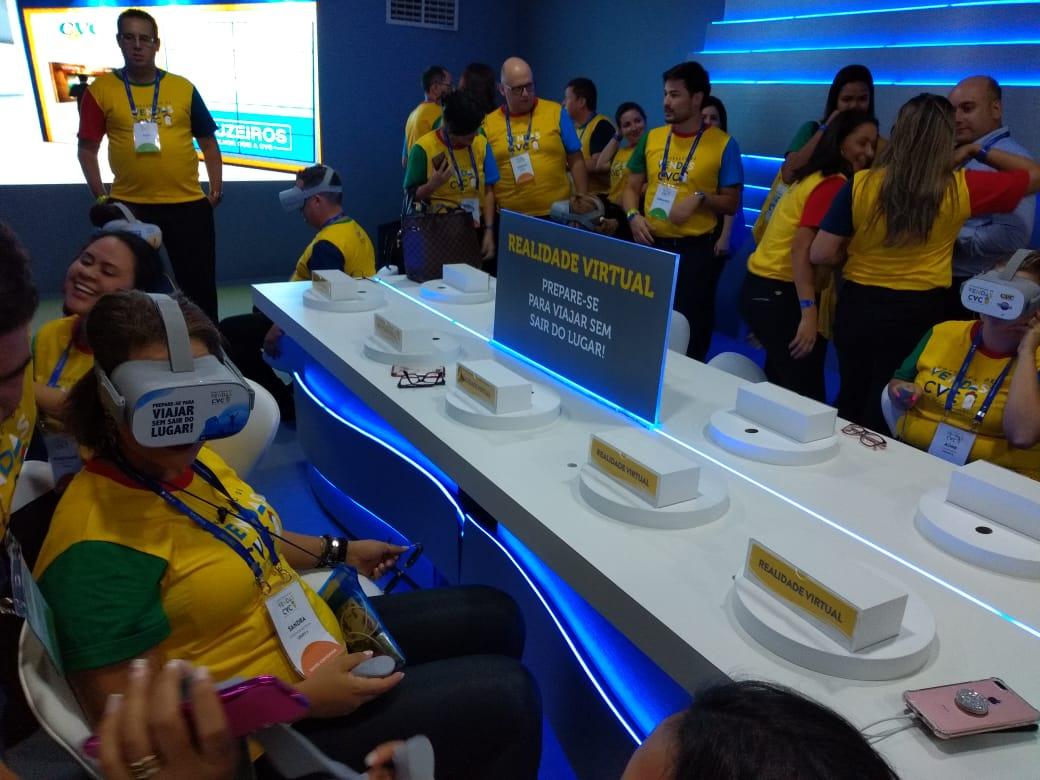 Franqueados conhecem na prática as novas ferramentas tecnológicas no Lounge CVC Experience