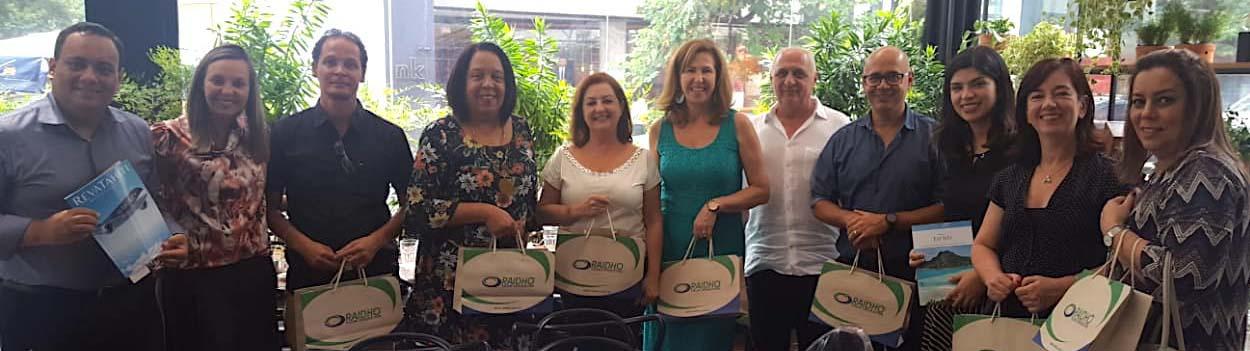 Os participantes do almoço oferecido pela Raidho, em parceria com a Cap Amazon e Air Tahiti Nui