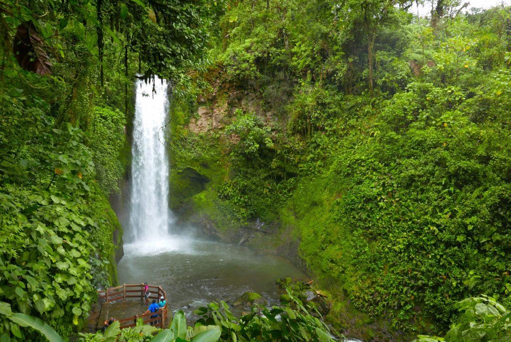 A Magia Branca é uma das cinco cachoeiras do melhor eco parque da Costa Rica