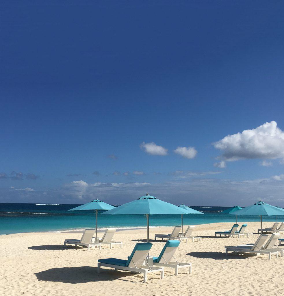 O cenário tipicamente caribenho de uma praia de Anguilla