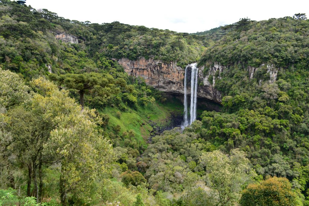 A Cascata do Caracol, um dos cartões postais de Canela (Divulgação)
