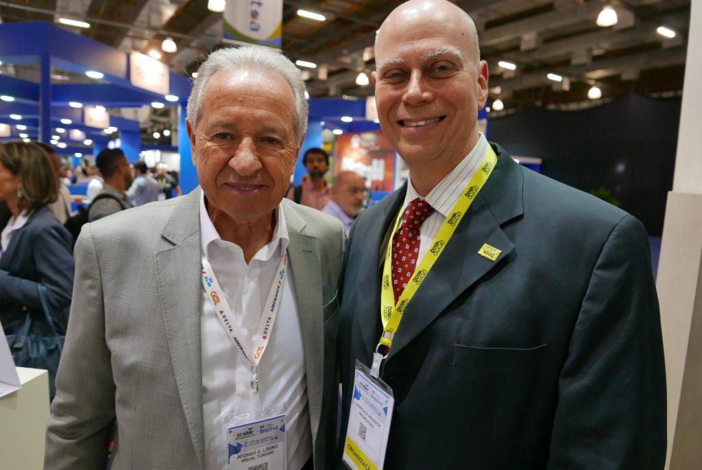 Afonso Louro, presidente da Visual Turismo; e Lawrence Reinisch, diretor de Desenvolvimento de Negócios da Abav Expo + Encontro Braztoa