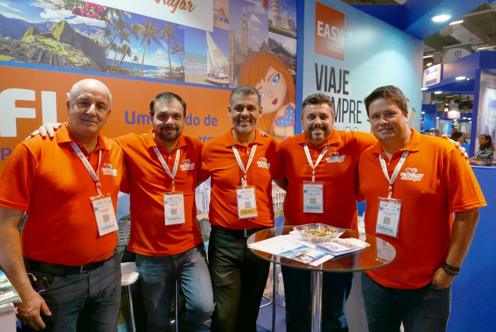 Sergio Protti + Albert Akan + Maurício de Oliveira + Alexandre Gomes + Gustavo Oliveira = o time da Flytour Viagens