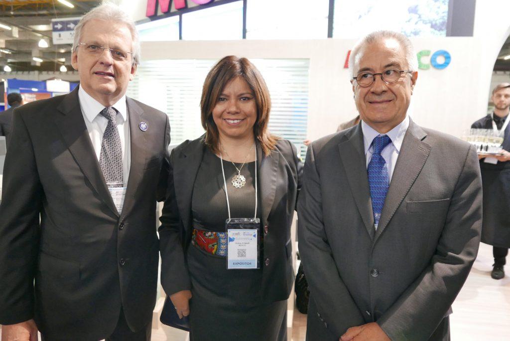 Edmar Bull, presidente da Abav Nacional; Diana Pomar, diretora Brasil do Conselho de Promoção Turística do México; e Salvador Arriola, embaixador do México no Brasil