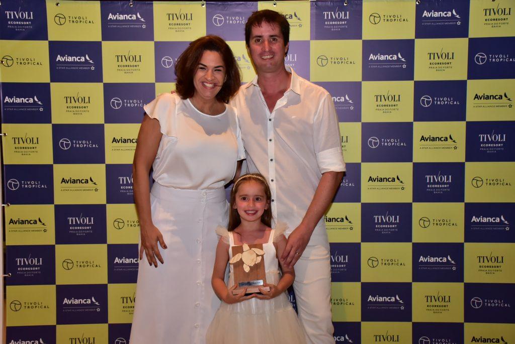 Gilberto Hingel e a pequena Valentina, da Litoral Verde, com Camila Azevedo