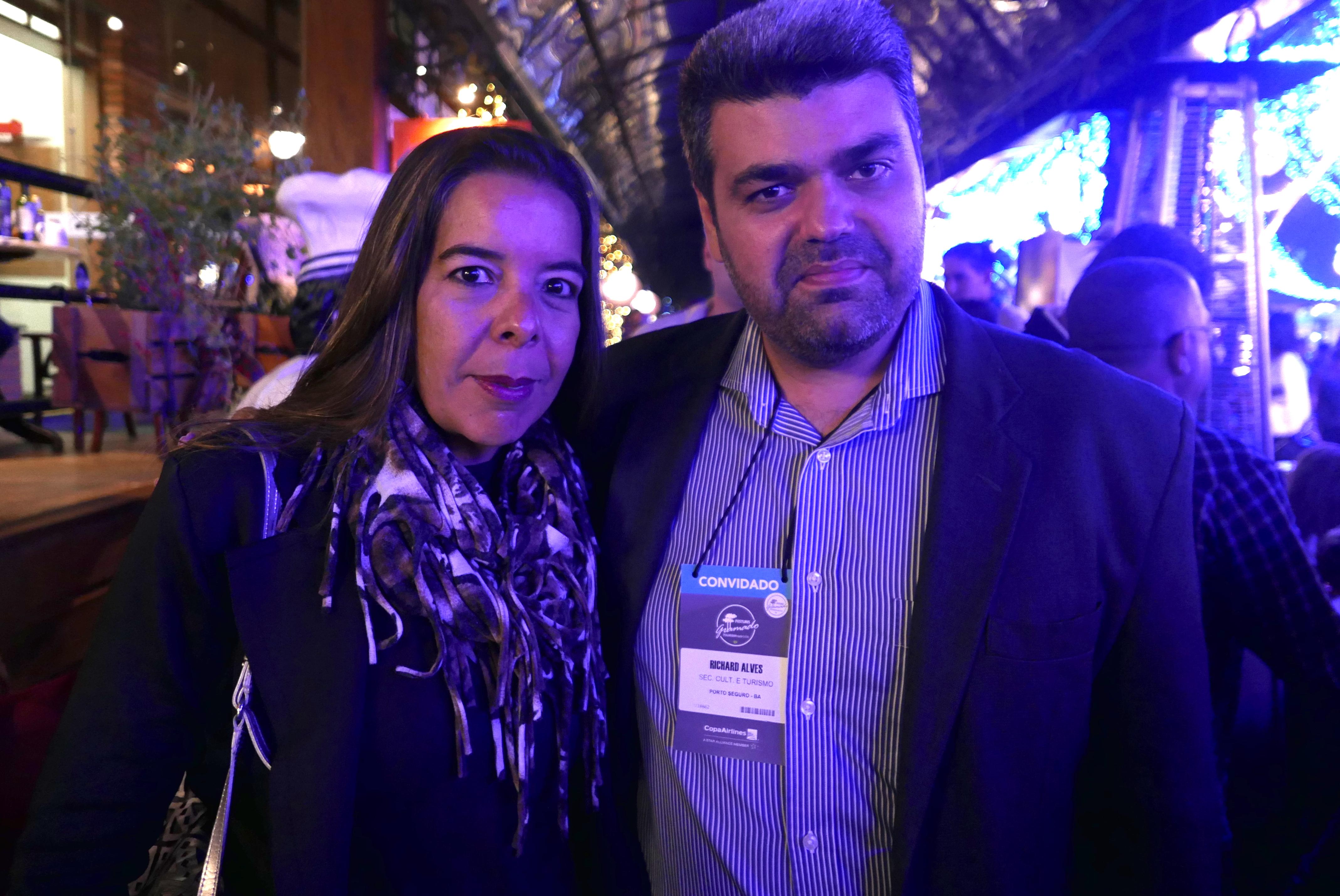 Alessandra Quaresma e Richard Alves, secretário de Cultura e Turismo de Porto Seguro
