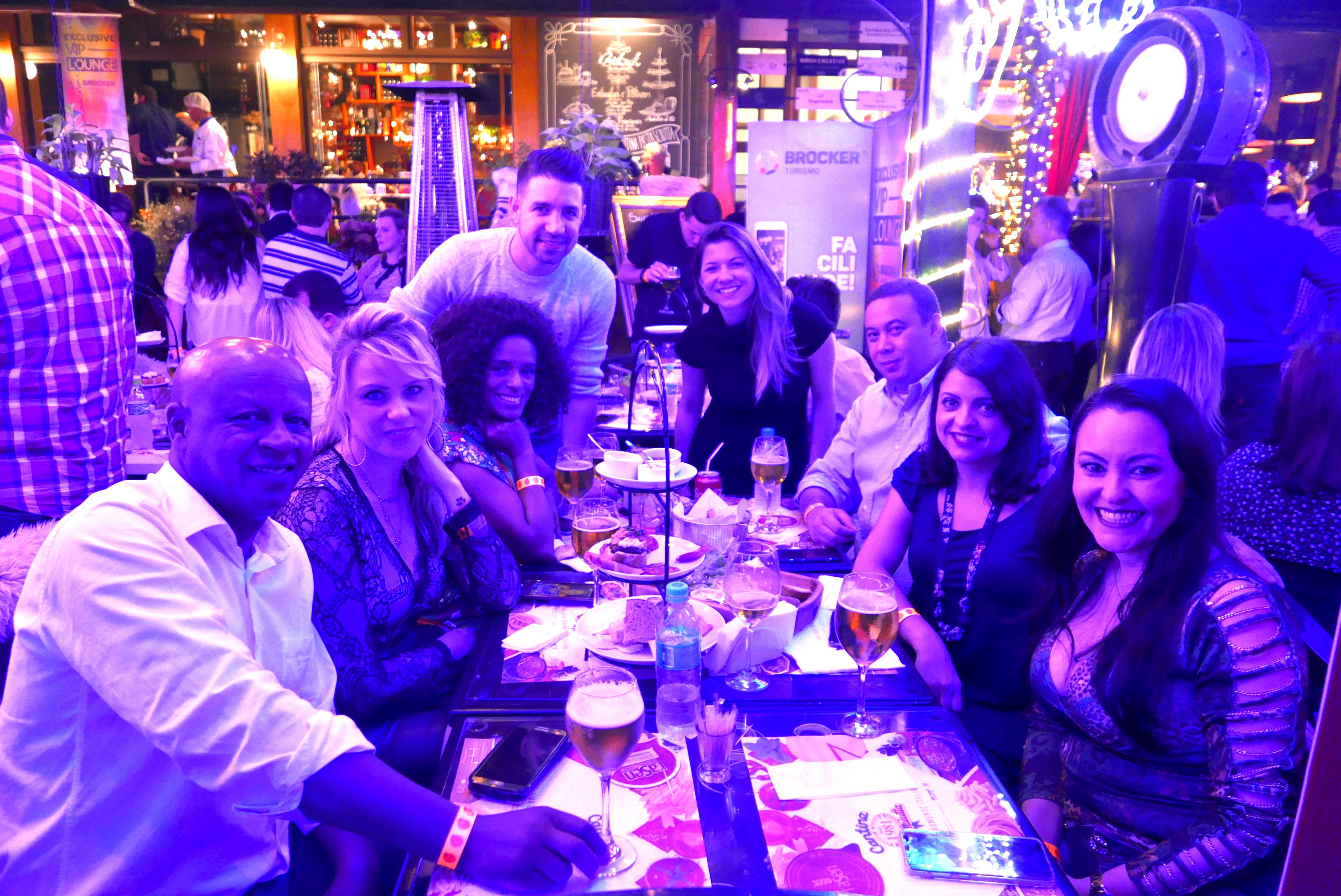 A grande equipe da MMTGapnet presente ao coquetel de boas-vindas da Brocker Turismo