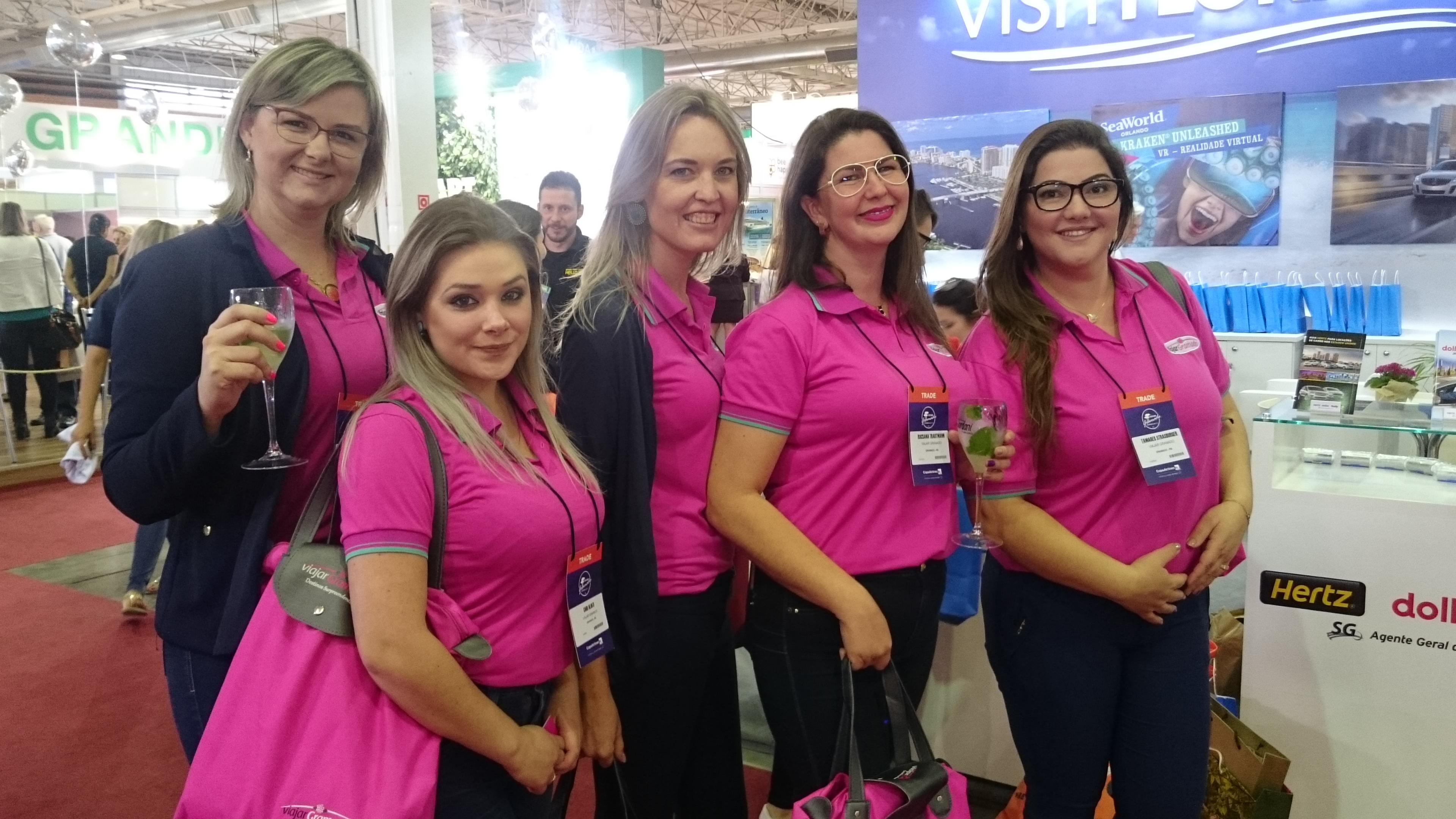 Catia Muraro, Cari Aliati, Adriane, Rocsana Trautmann e Tamares Strassburger, da Viajar Gramado