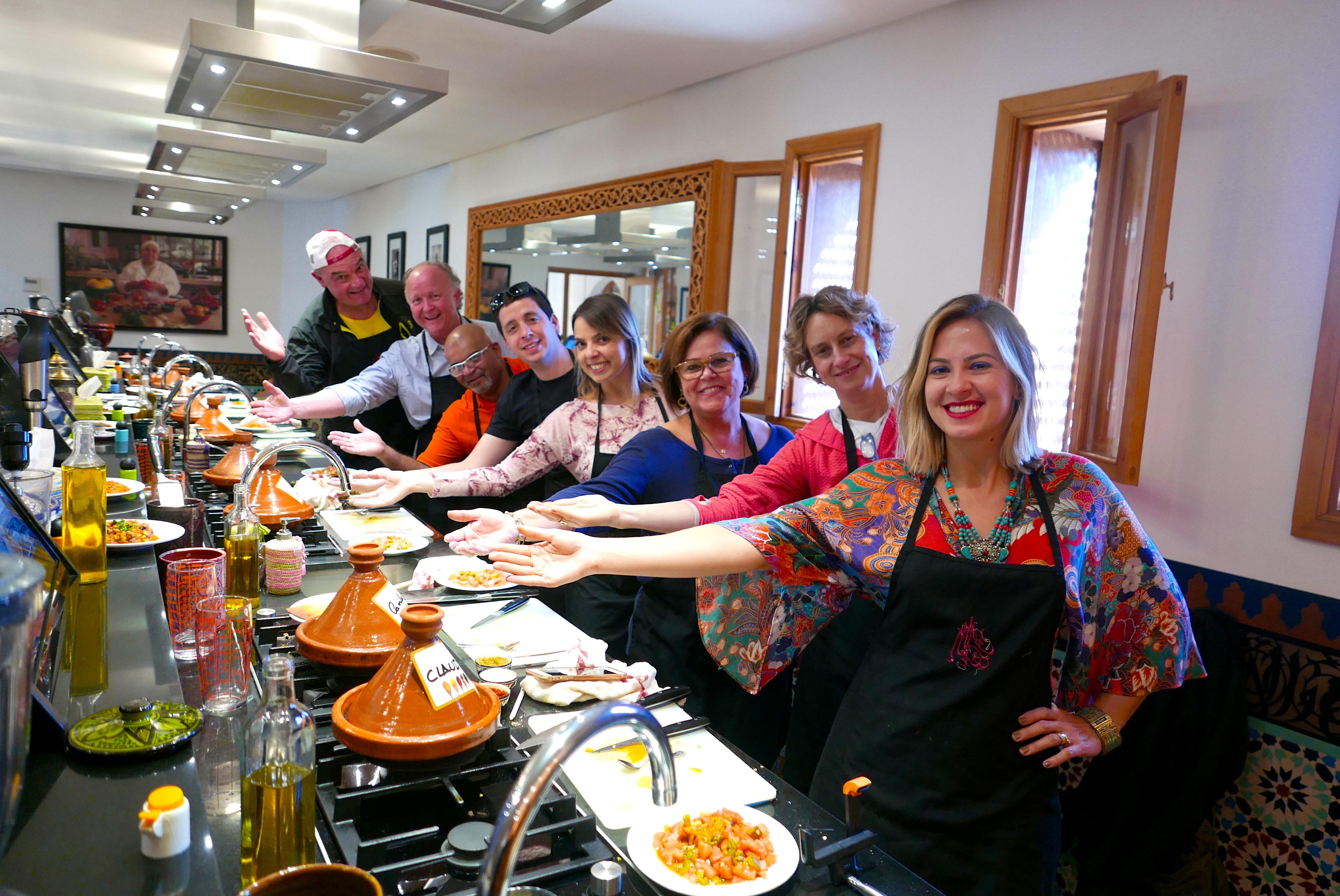 O grupo de operadores convidados pela Hello Brazil + KTI Voyages, ao final da aula de culinária, no La Maison Arabe