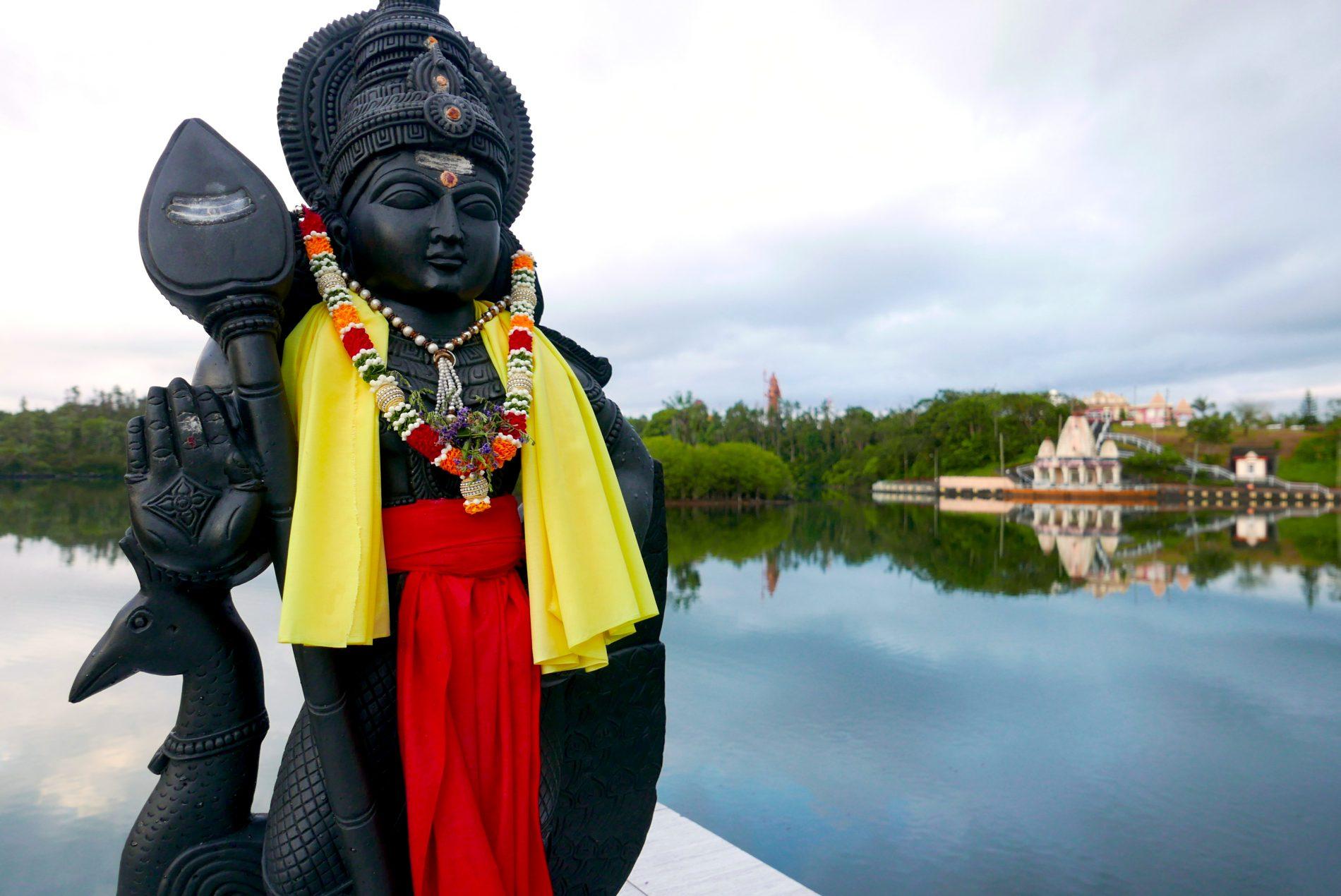 Imagens dos deuses hindus em Grand Bassin, Mauritius (Fotos: Claudia Tonaco)