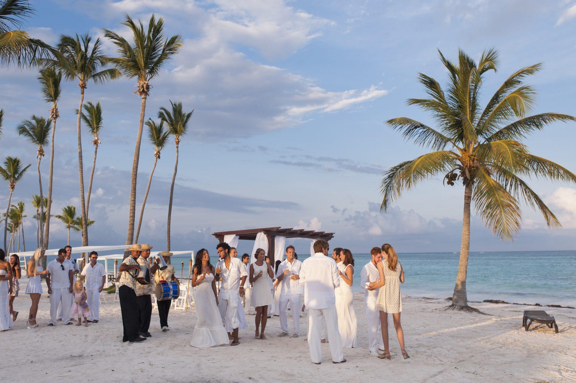 Os brasileiros amam tanto Punta Cana que passaram a se casar nos luxuosos resorts da região