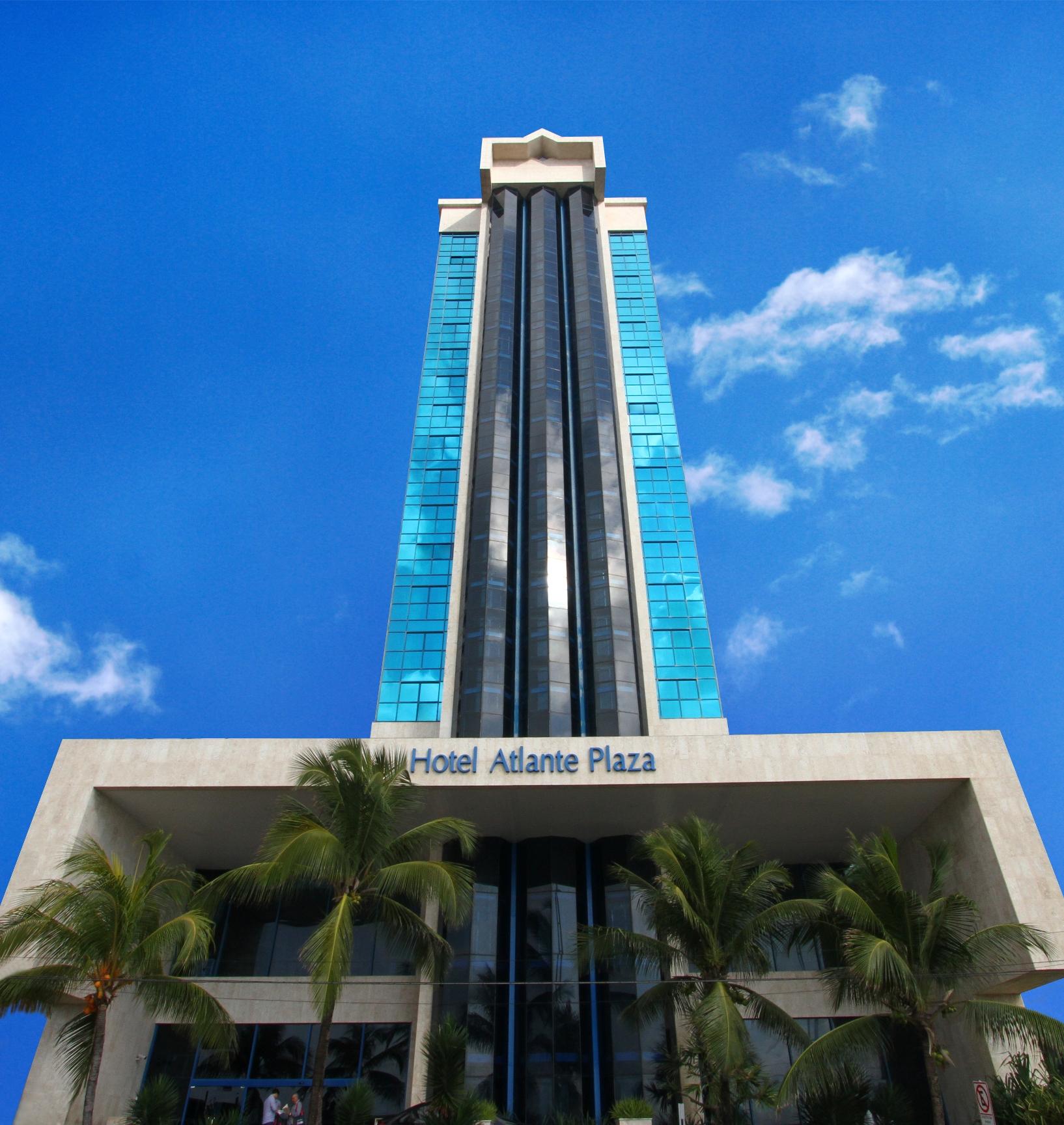 Fachada do Hotel Atlante Plaza, em Recife (PE)