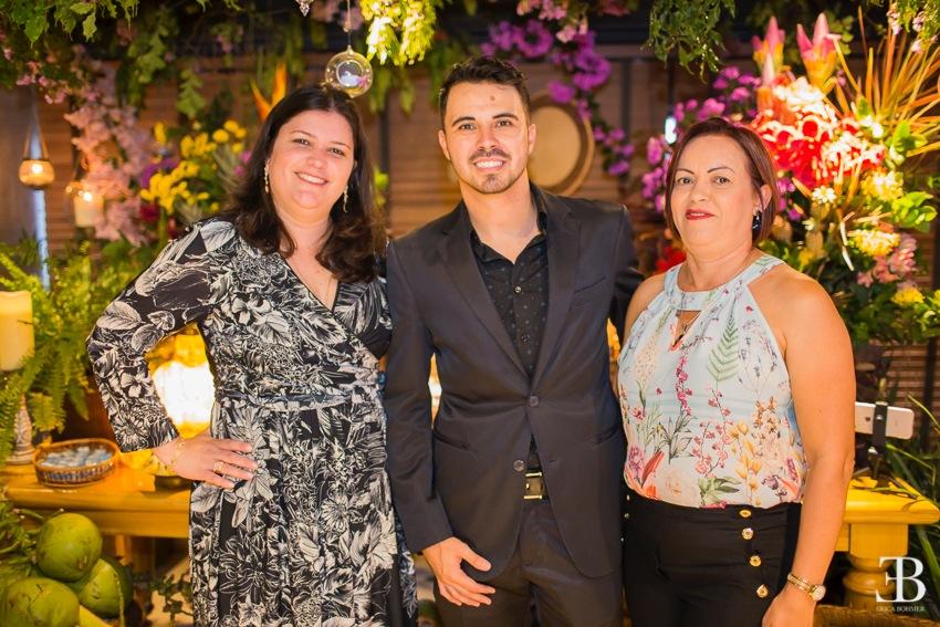 Marisa Zamboni, Thiago de Paula e Adriana Silva durante a apresentação