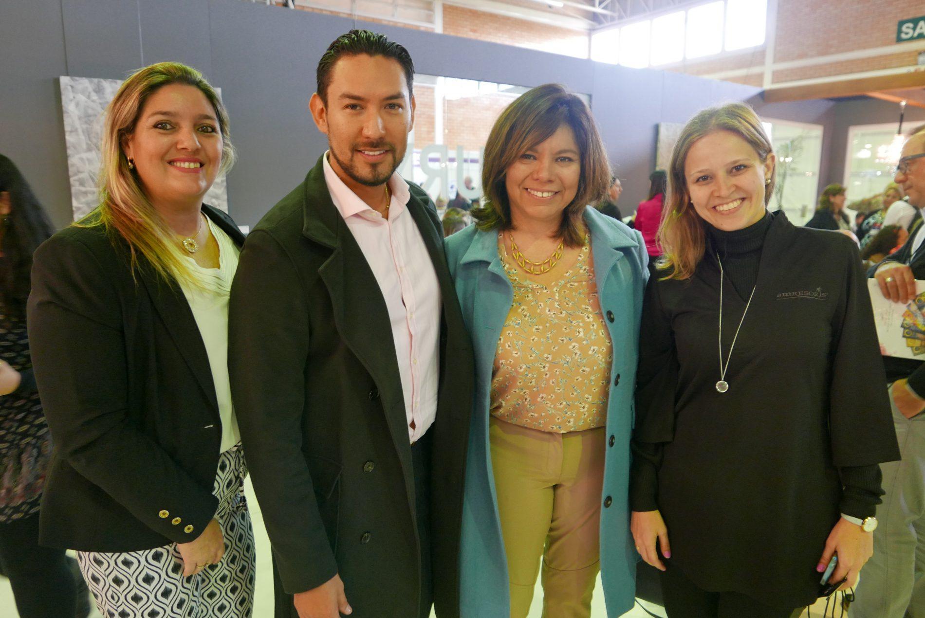 Carla Cecchele e Leonel Reyes, da RCD Hotels; Diana Pomar, do CPTM, e Flávia Fernandes, da AMResorts