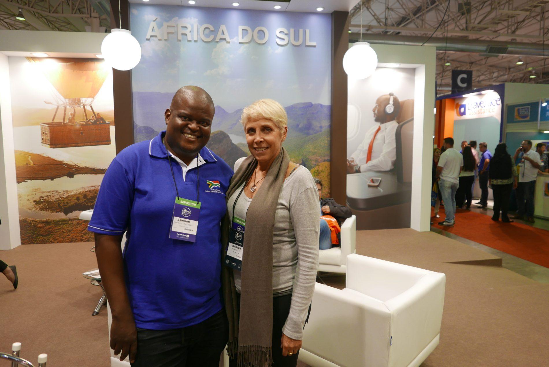 Christina Kler e Dioka Mogano, do Consulado da África do Sul