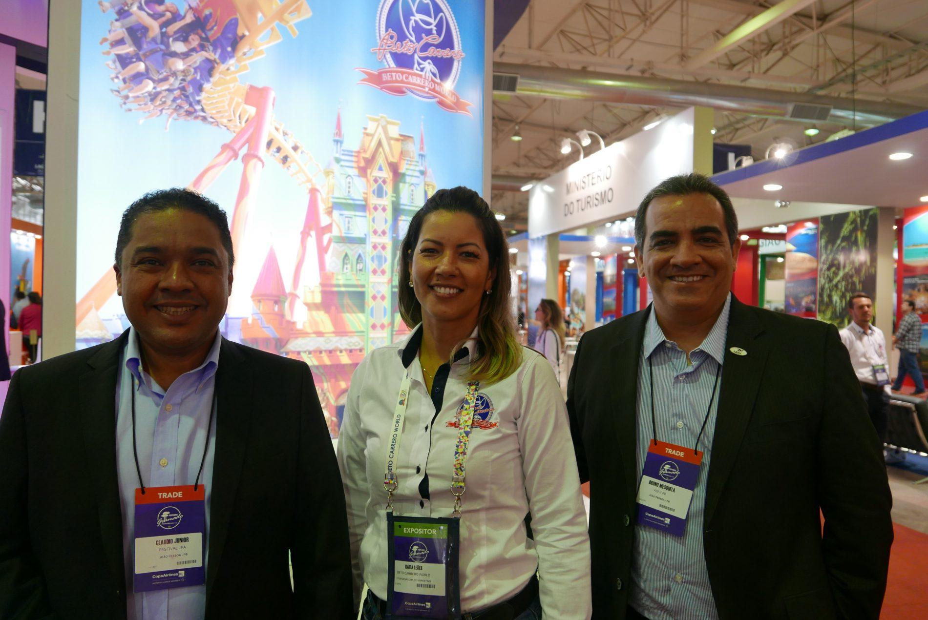 Katia Leães, do Beto Carrero World, com Claudio Junior e Bruno Mesquita, do Festival JPA