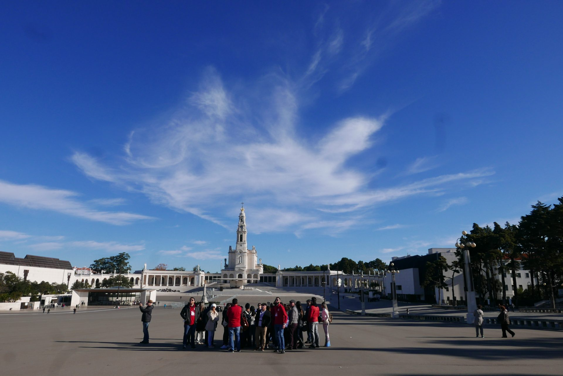 O grupo chegou bem cedo à Fátima e pode contemplar e todo o conjunto religioso com tranquilidade