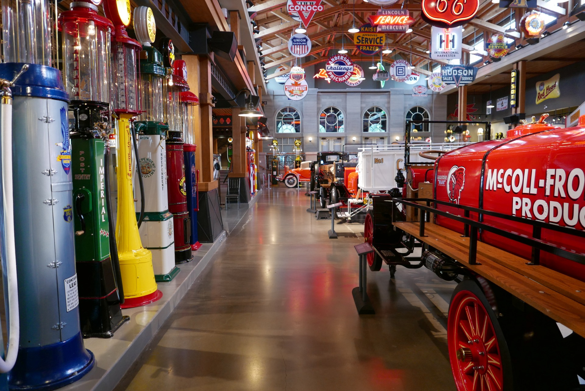 O Gasoline Alley Museum é uma das imperdíveis atrações do Heritage Park (Claudia Tonaco)