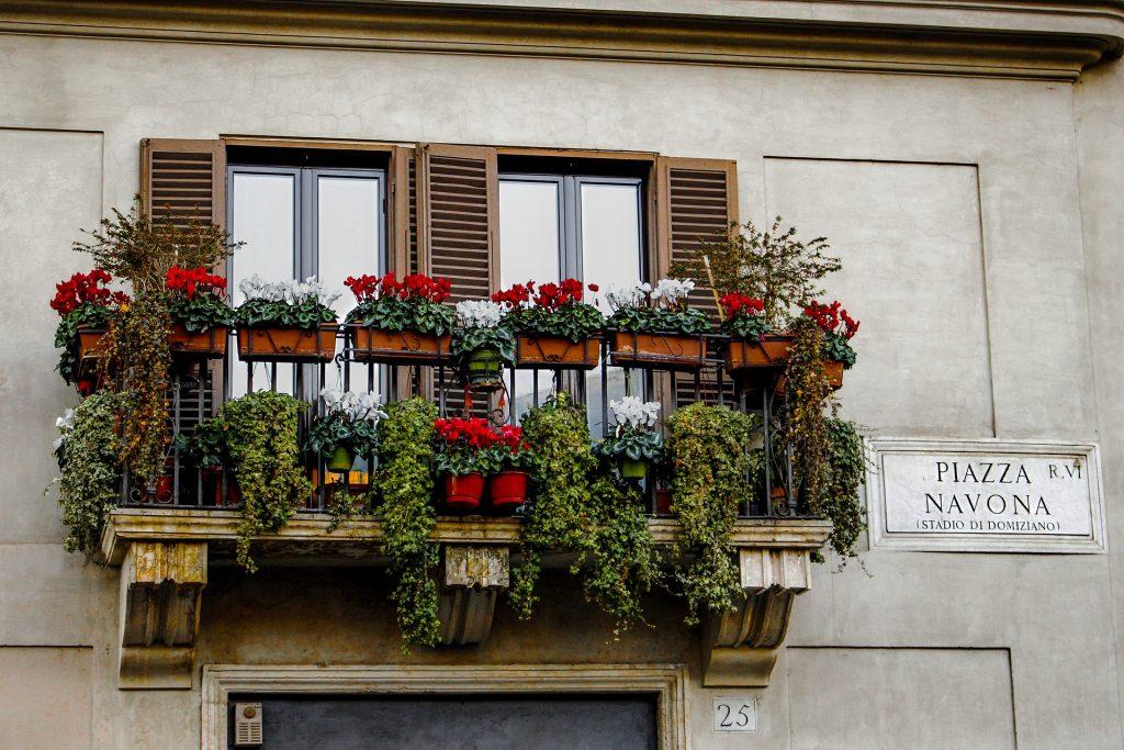 Imperdível é passear descobrindo os pequenos e grandes detalhes da Piazza Navona