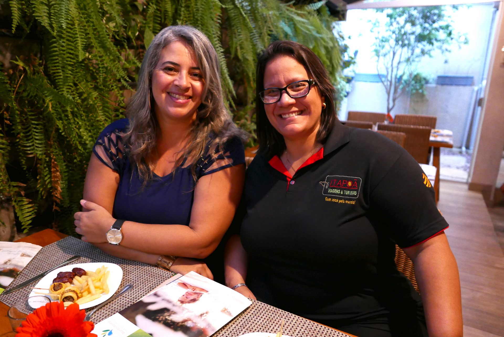 Luciene Ferreira e Marília Oliveira, da Itapoã Viagens e Turismo