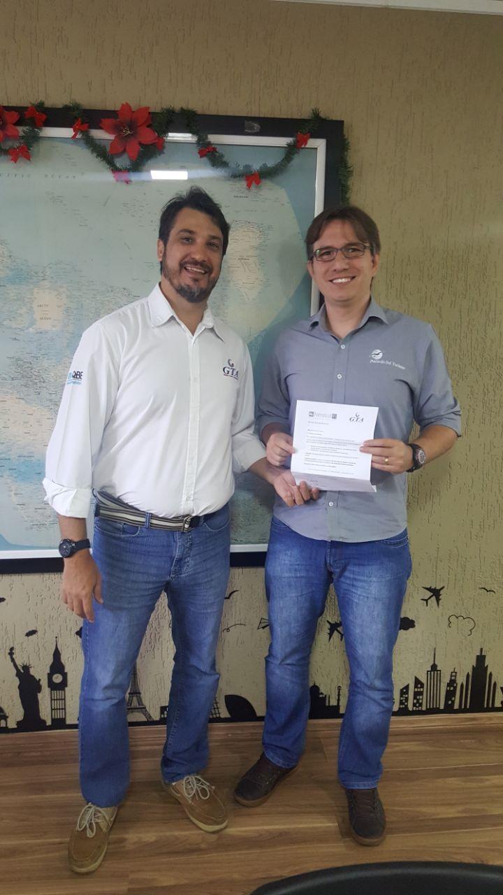 Rodrigo Gottardo, da Porta do Sol Turismo, de Campinas, e Agenor Bertoni, da GTA