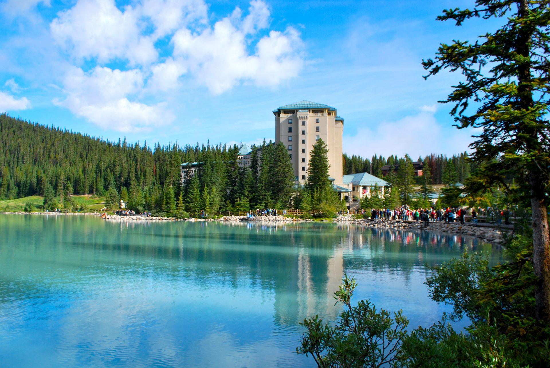 Se hospedar no Fairmont Château Lake Louise é uma experiência incomparável