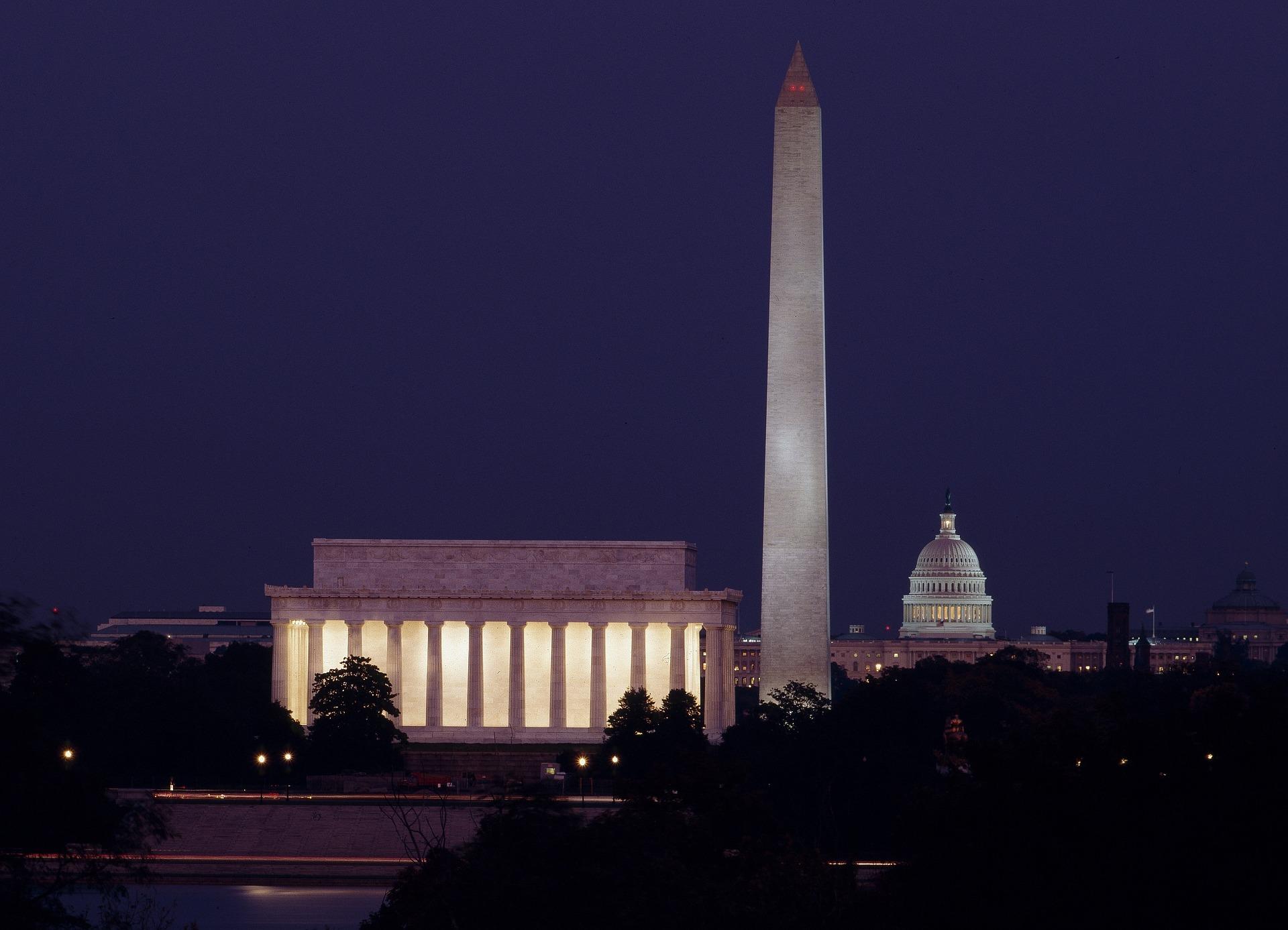 Tour by night por Washington D.C. oferece ao turista a emocionante visão dos monumentos iluminados
