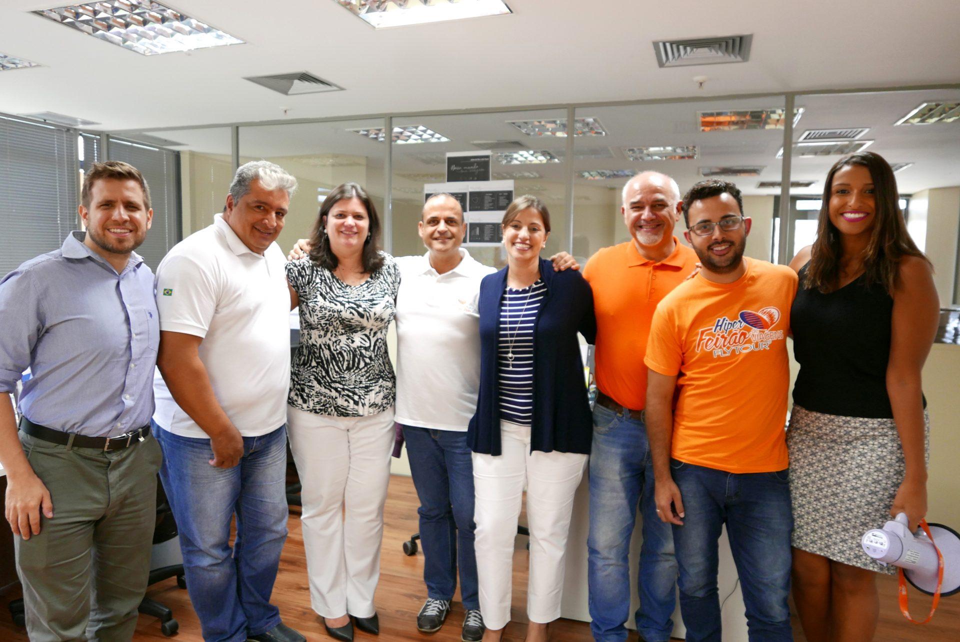 A equipe da Flytour Viagens de Belo Horizonte recebeu a dupla Palace Resorts de braços abertos