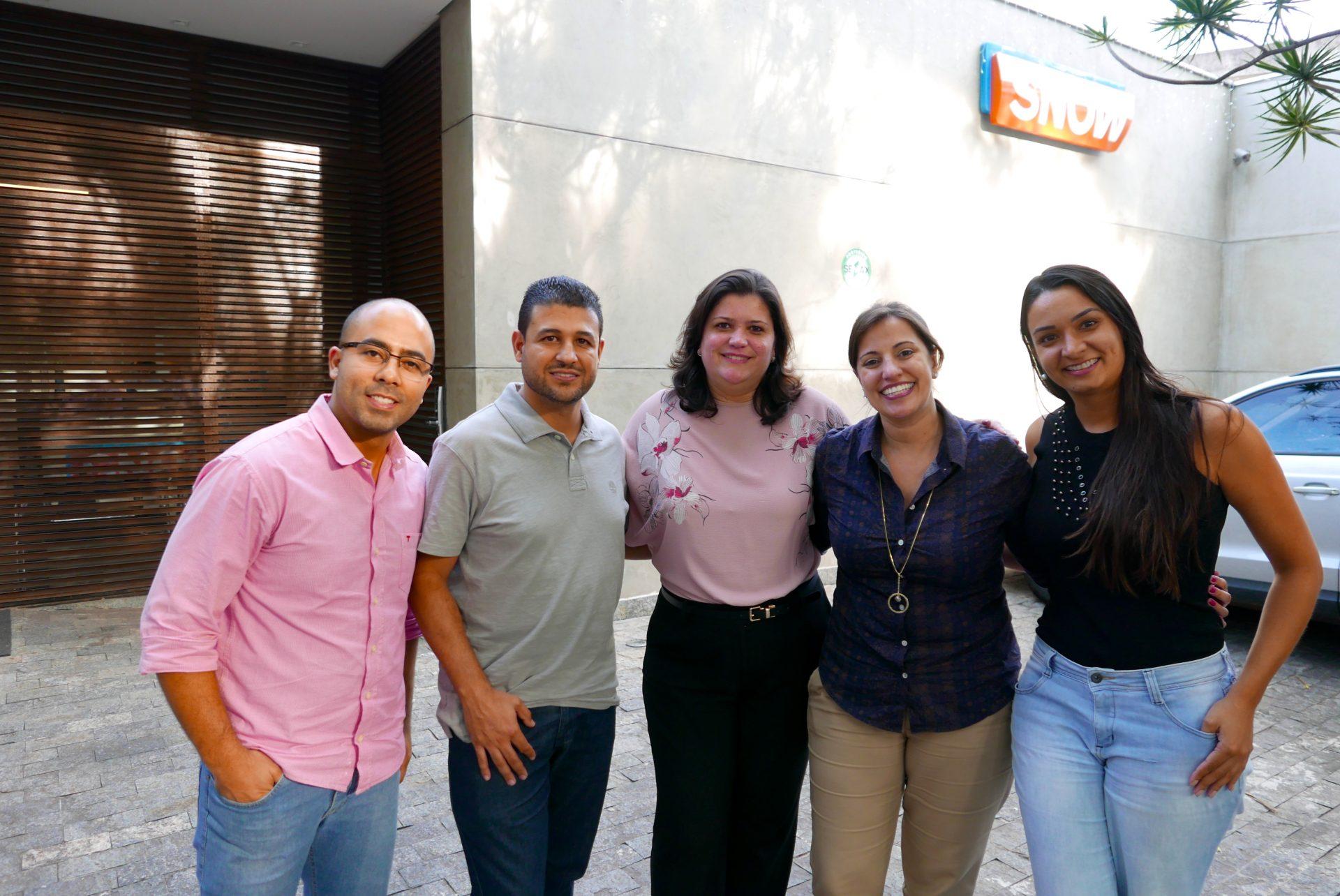 Felipe Dias e Paulo Medina, da Snow; Marisa Zamboni, Camila Tenreiro e Mayara Costa, especialista no segmento Lua de Mel & Casamento, da operadora